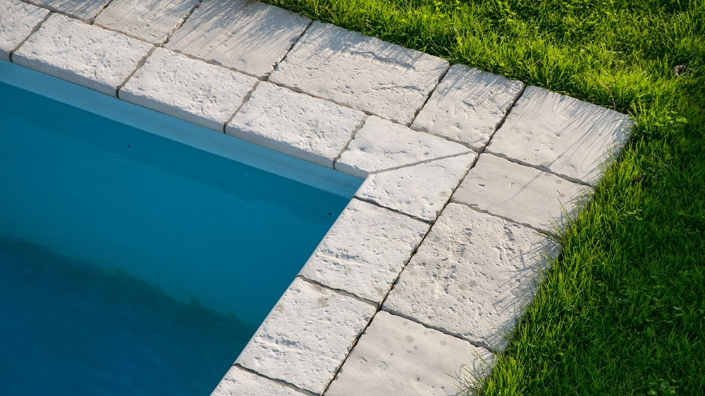 semmelrock bradstone old town kalkweiss pool ecke