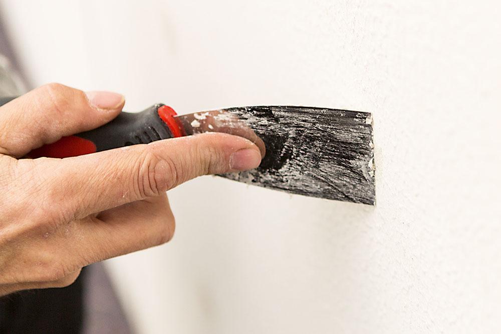 odstránenie nečistot z fasády domu