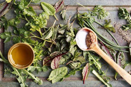bylinky na stole
