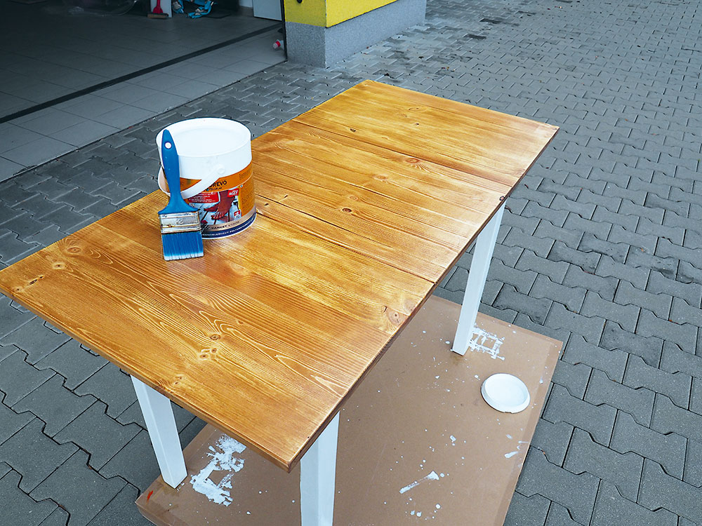 natieranie stola