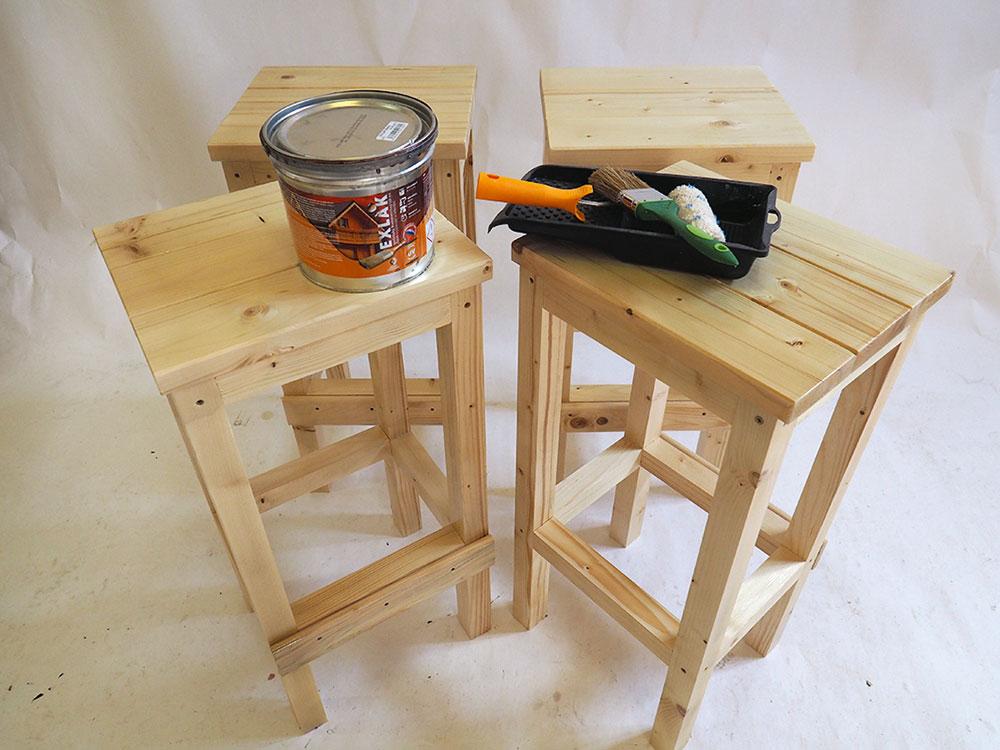 impregnácia drevených barových stoličiek