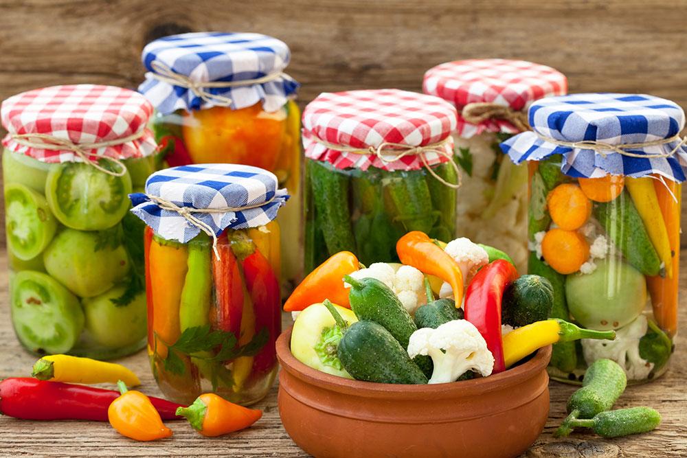 zaváraninové poháre so zeleninou