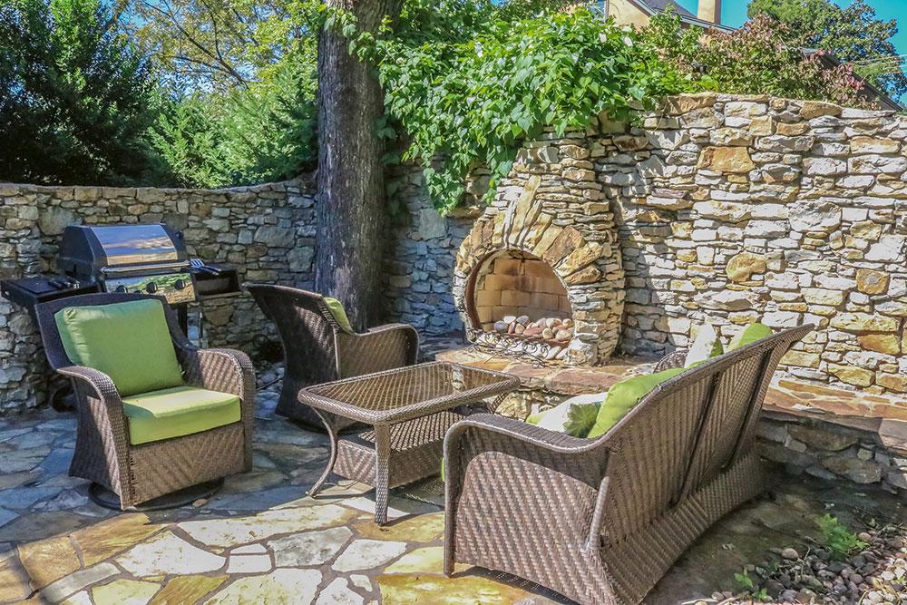 záhradný kamenný kozub
