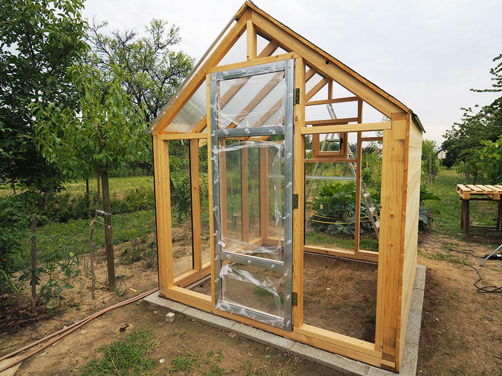 osadenie dverí na skleník