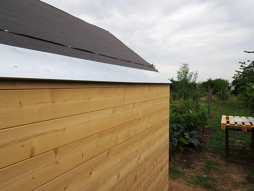odkvapový plech na streche skleníka