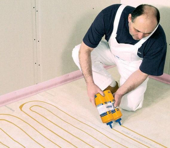 Podlahové dielce spájajte podlahovým lepidlom