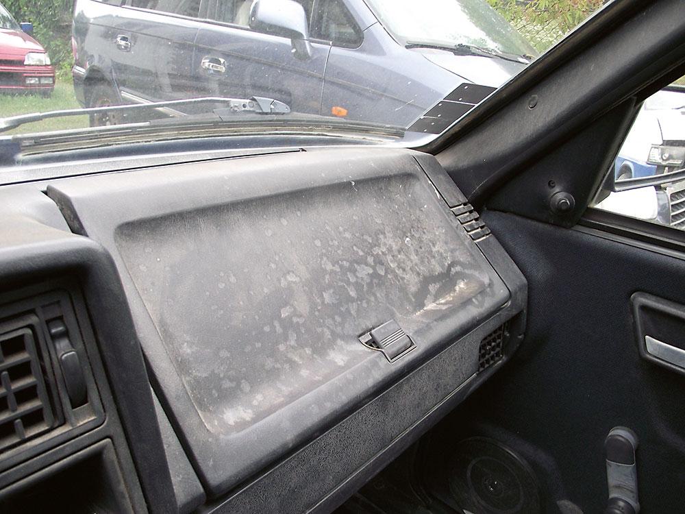 čistenie interiéru auta