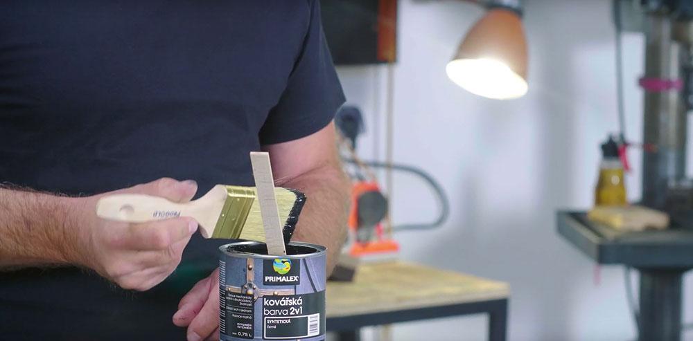 renovácia kovového stolíka