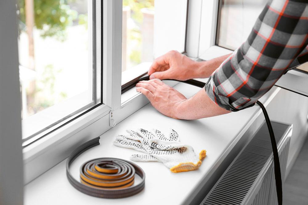 utesnenie plastového okna