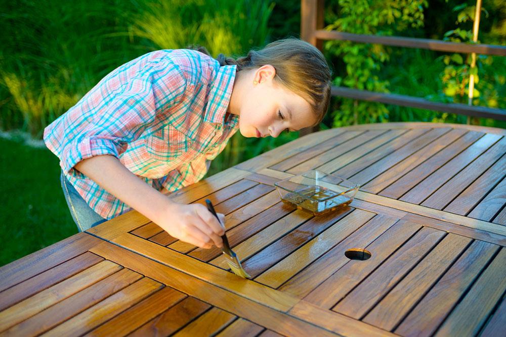 natieranie dreva olivovým olejom