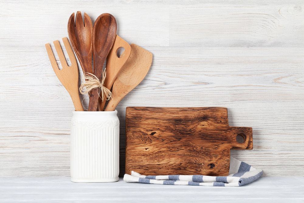 drevený kuchynský riad