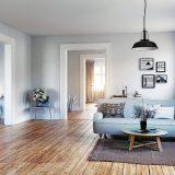 drevená podlaha v obývacej izbe