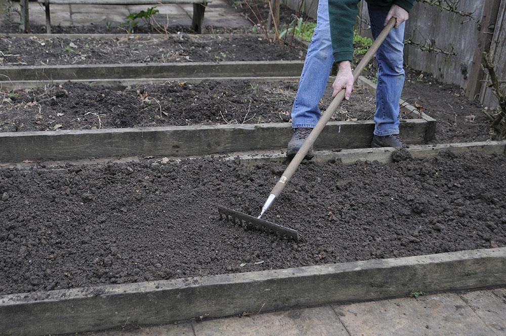 rýľovanie pôdy