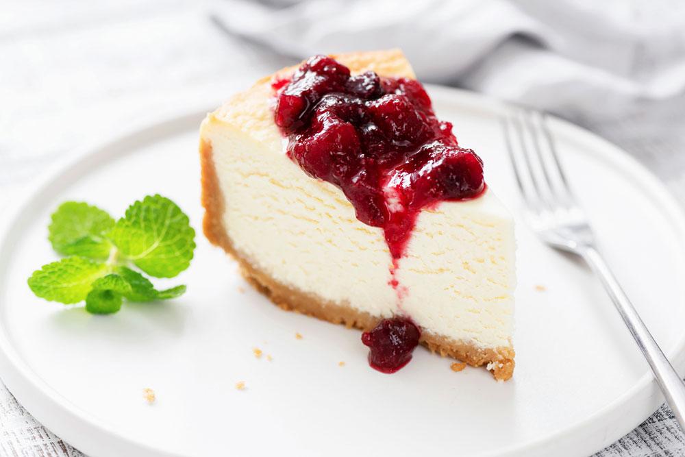zdravý cheesecake s lesným bobuľovým ovocím