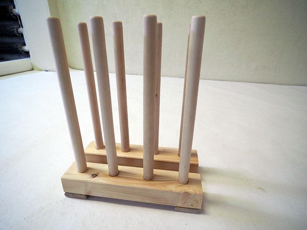 drevený stojan na gumáky