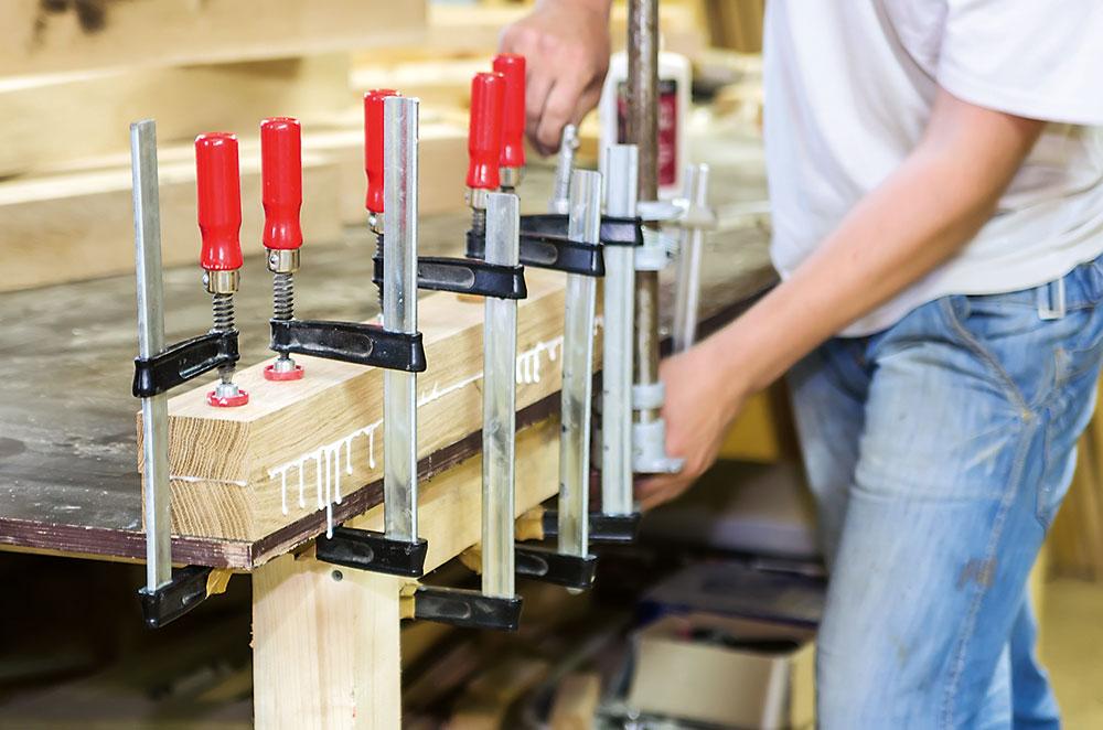 lepenie dreva s použitím zvierok