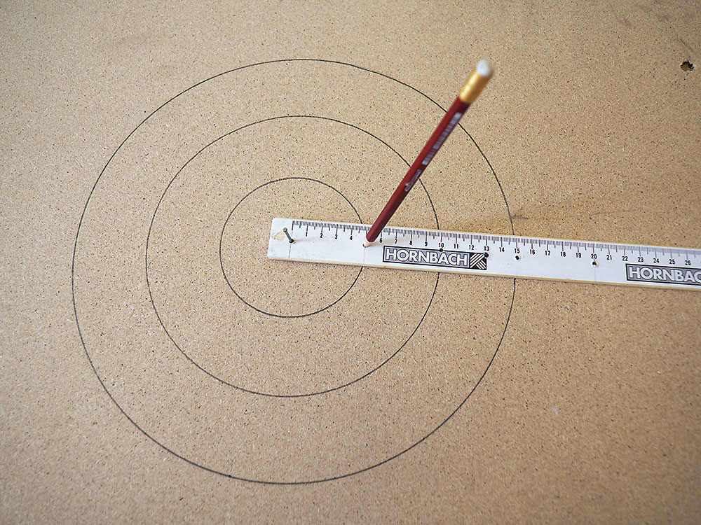 pomôcka na kreslenie kruhu