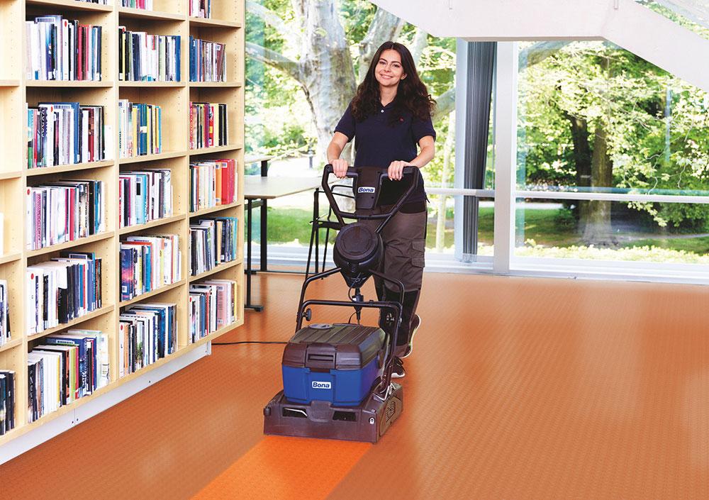 čistenie podlahy