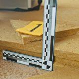 kombinácia vhodnej akustickej podlahovej izolácie a tvrdého podlahového polystyrénu