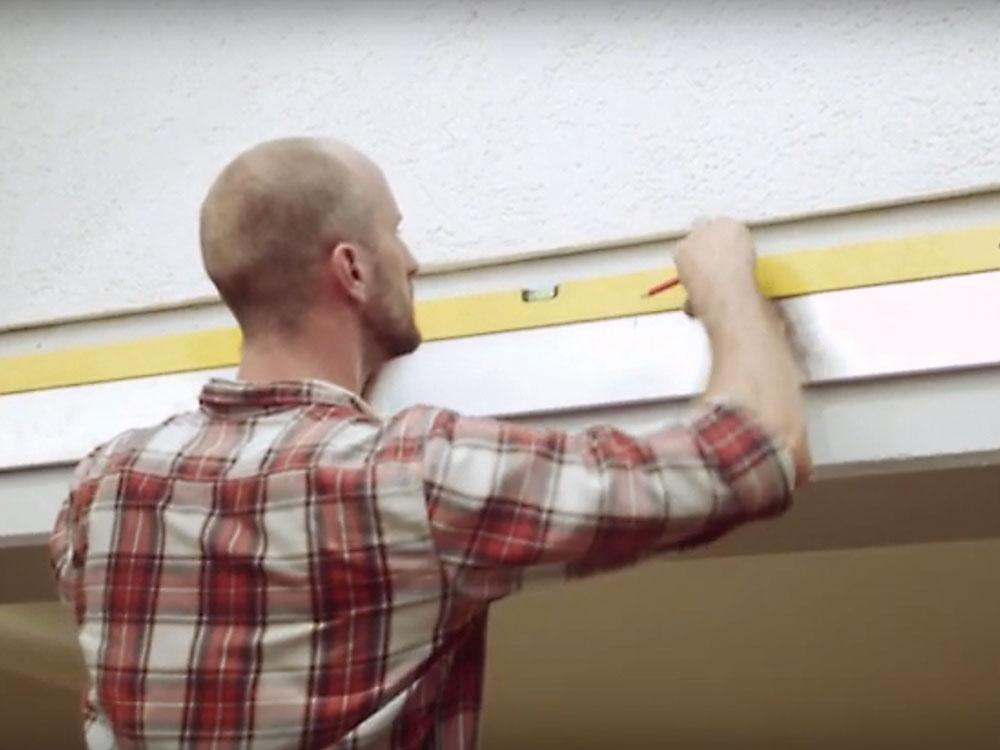 kontrola rovnosti steny