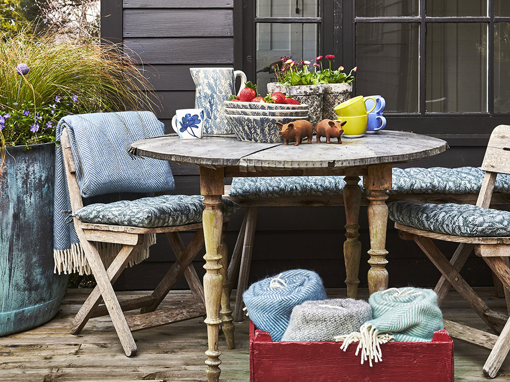 drevený stolík