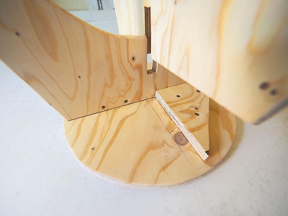 výroba stoličky z preglejky