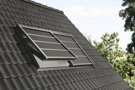 Ľahká vonkajšia roleta VELUX na solárny pohon