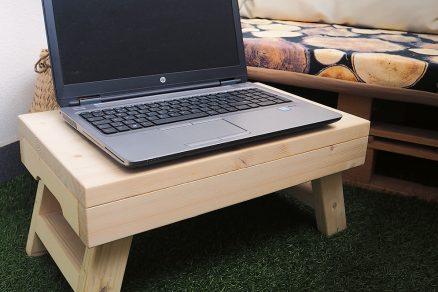 Podnos na laptop