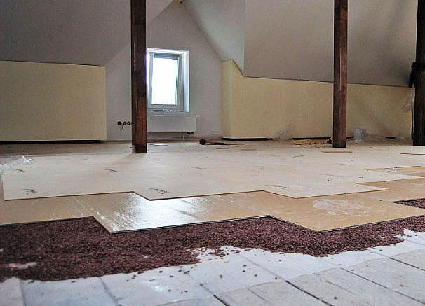 Vyrovnanie podlahy v bytoch.