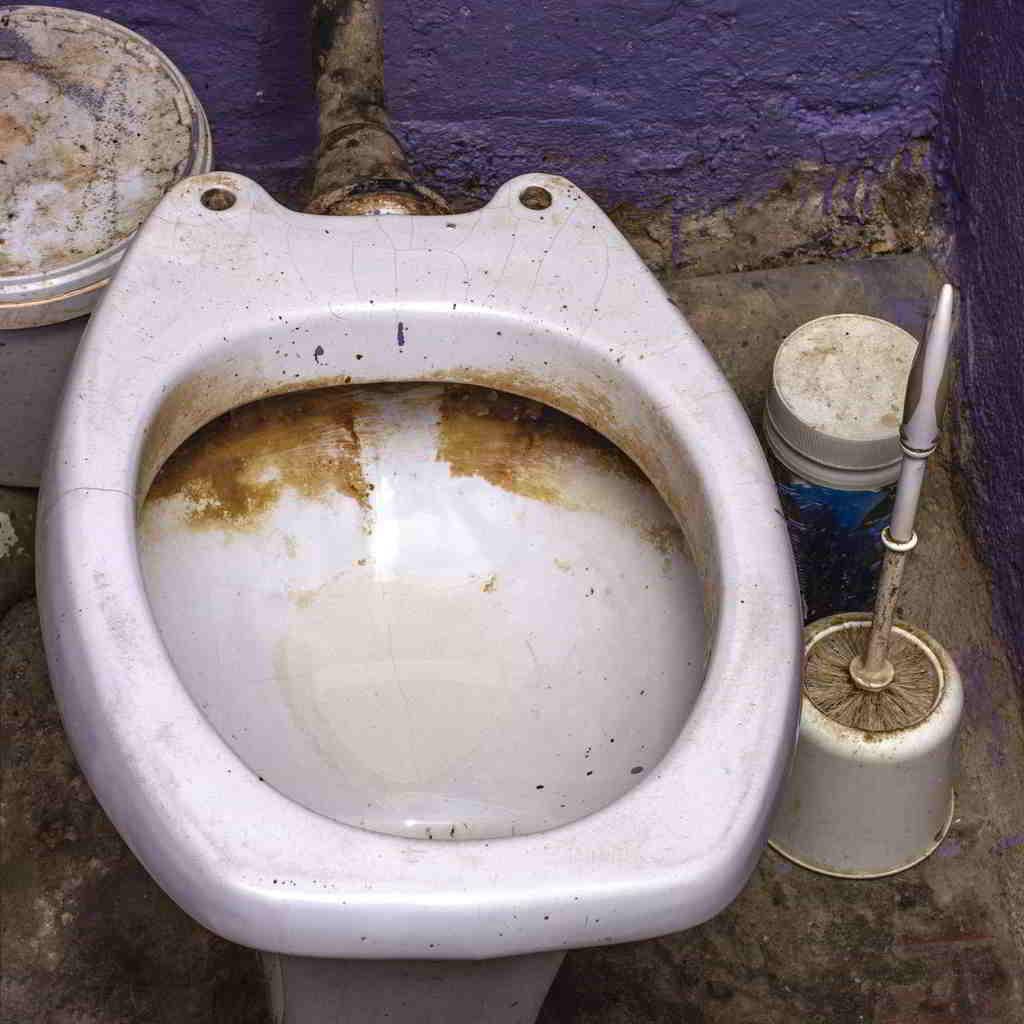 znečistené WC