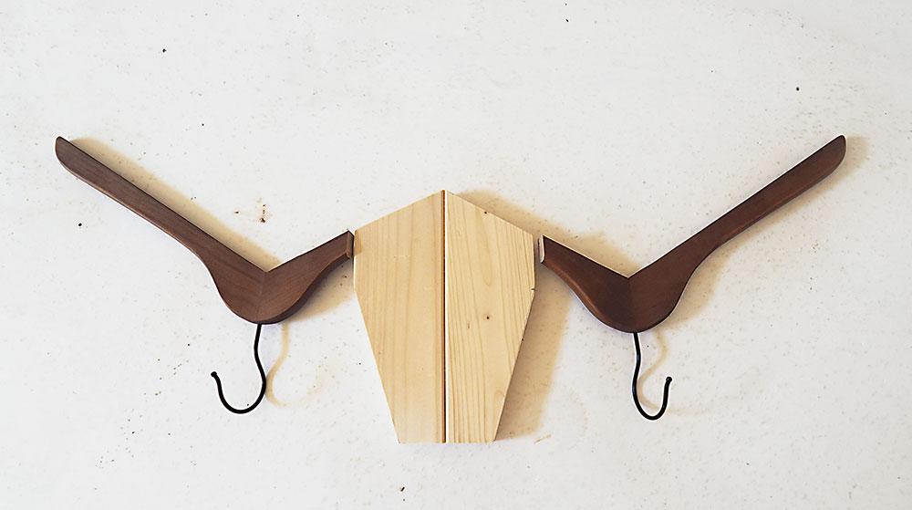 Vešiaky v tvare býčej hlavy
