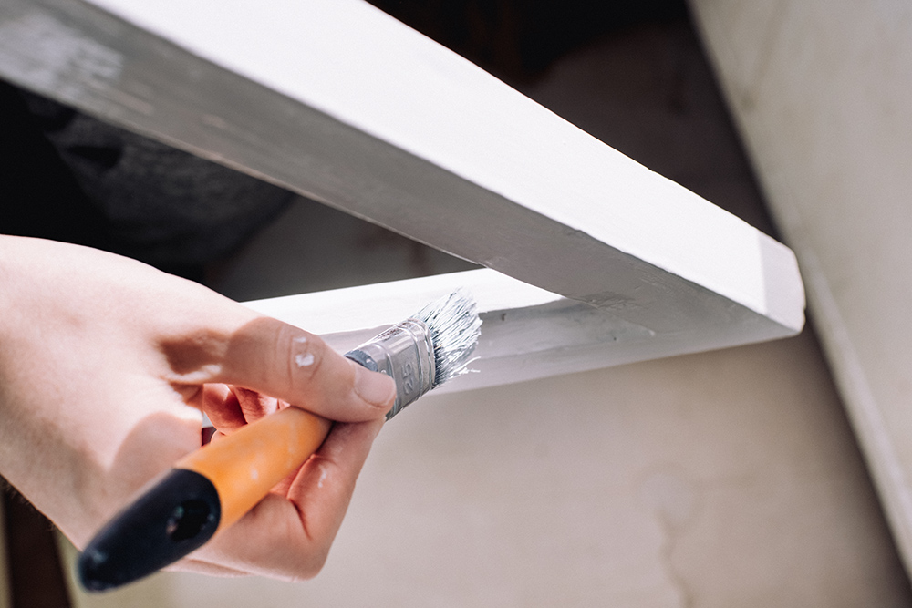natieranie drevených okenných rámov