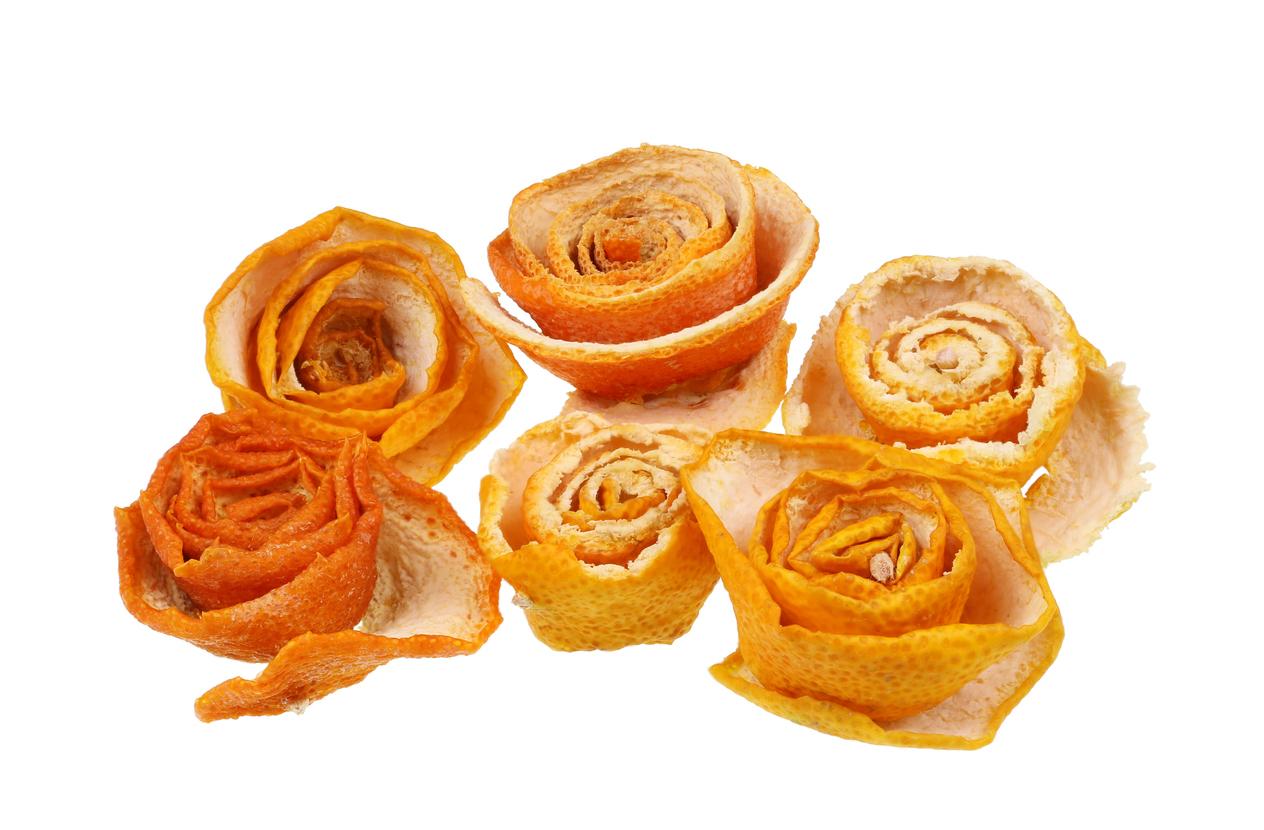 dekorácia z pomarančovej kôry
