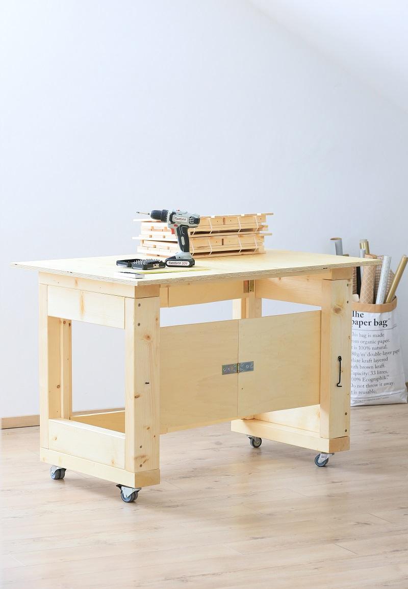 skladací mobilný stolík do dielne
