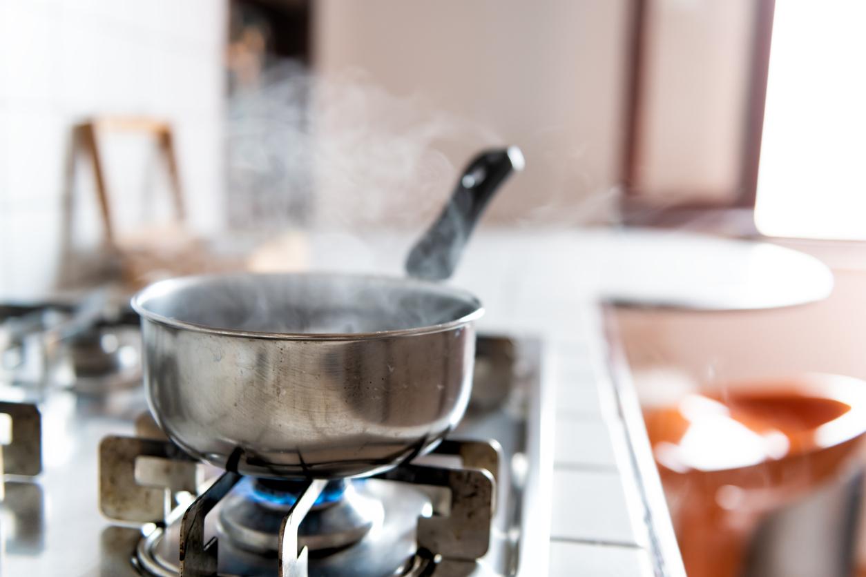 únik pary pri varení