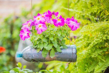 kvetináč z plastovej fľaše