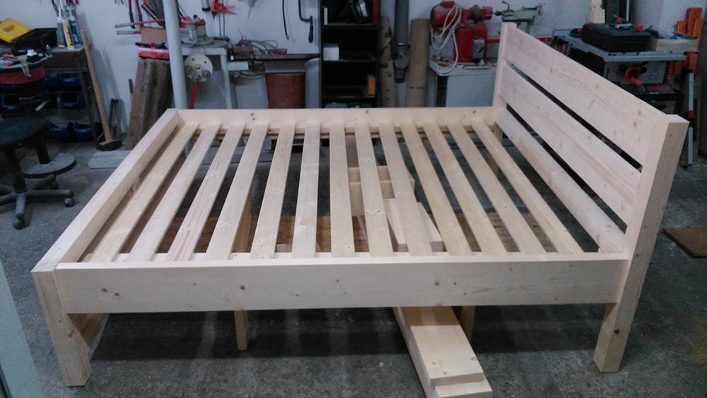 Rošt postele z dreva