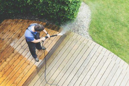 čistenie terasy z dreva