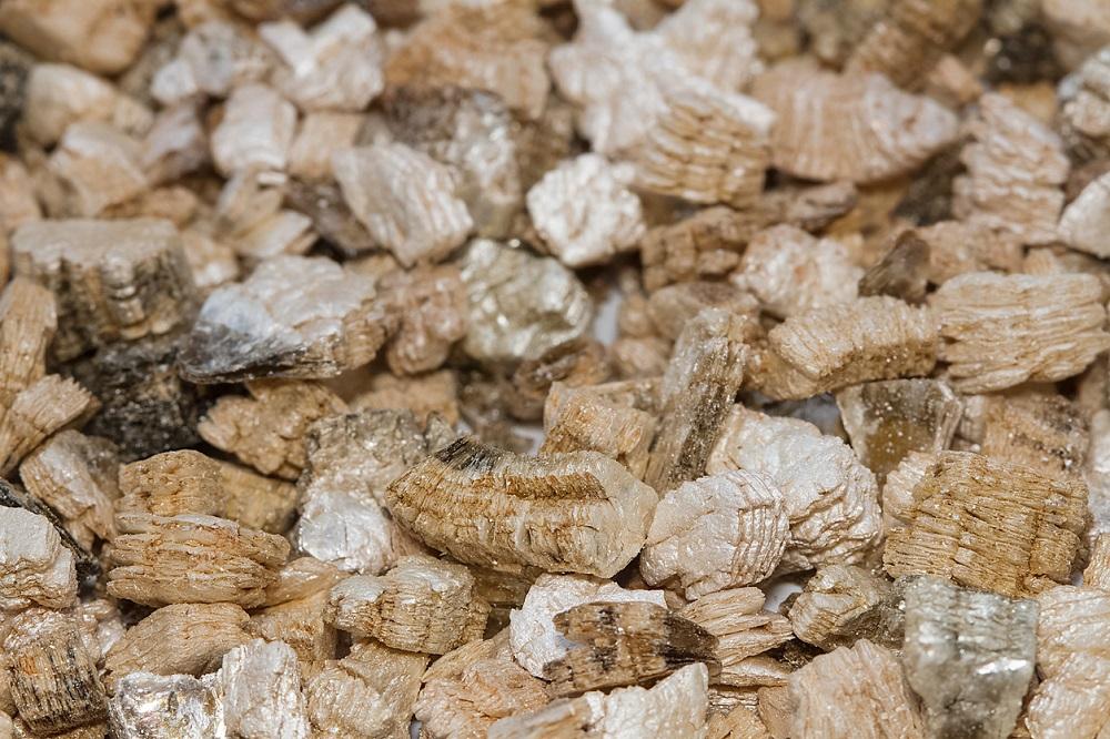 vermikulit zmiešaný s perlitom
