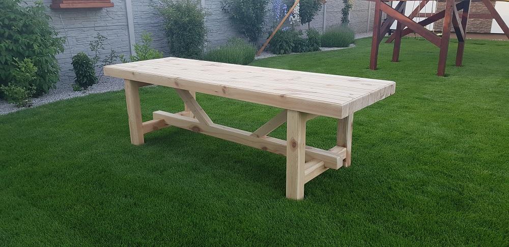 záhradná lavica z dreva