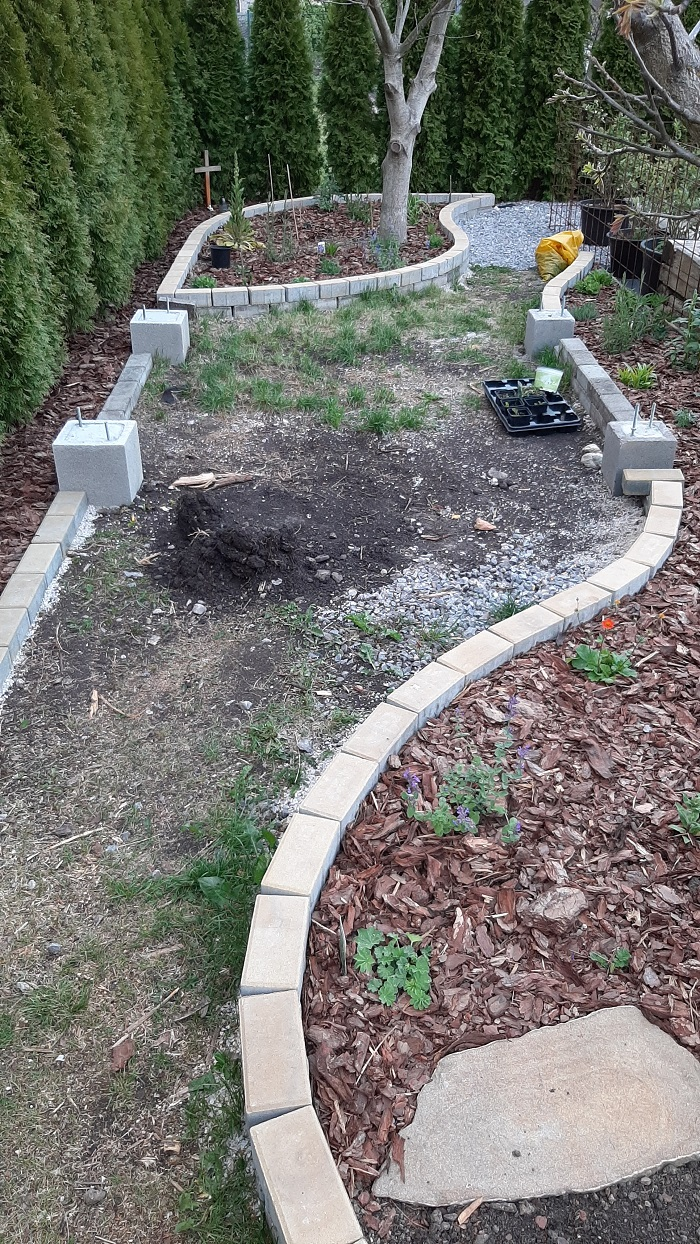 výstavba záhradného chodníka