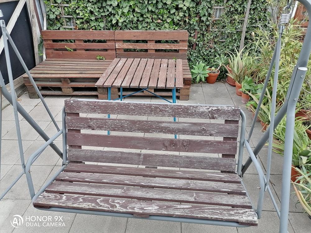 lavica a stôl z paletových dosiek