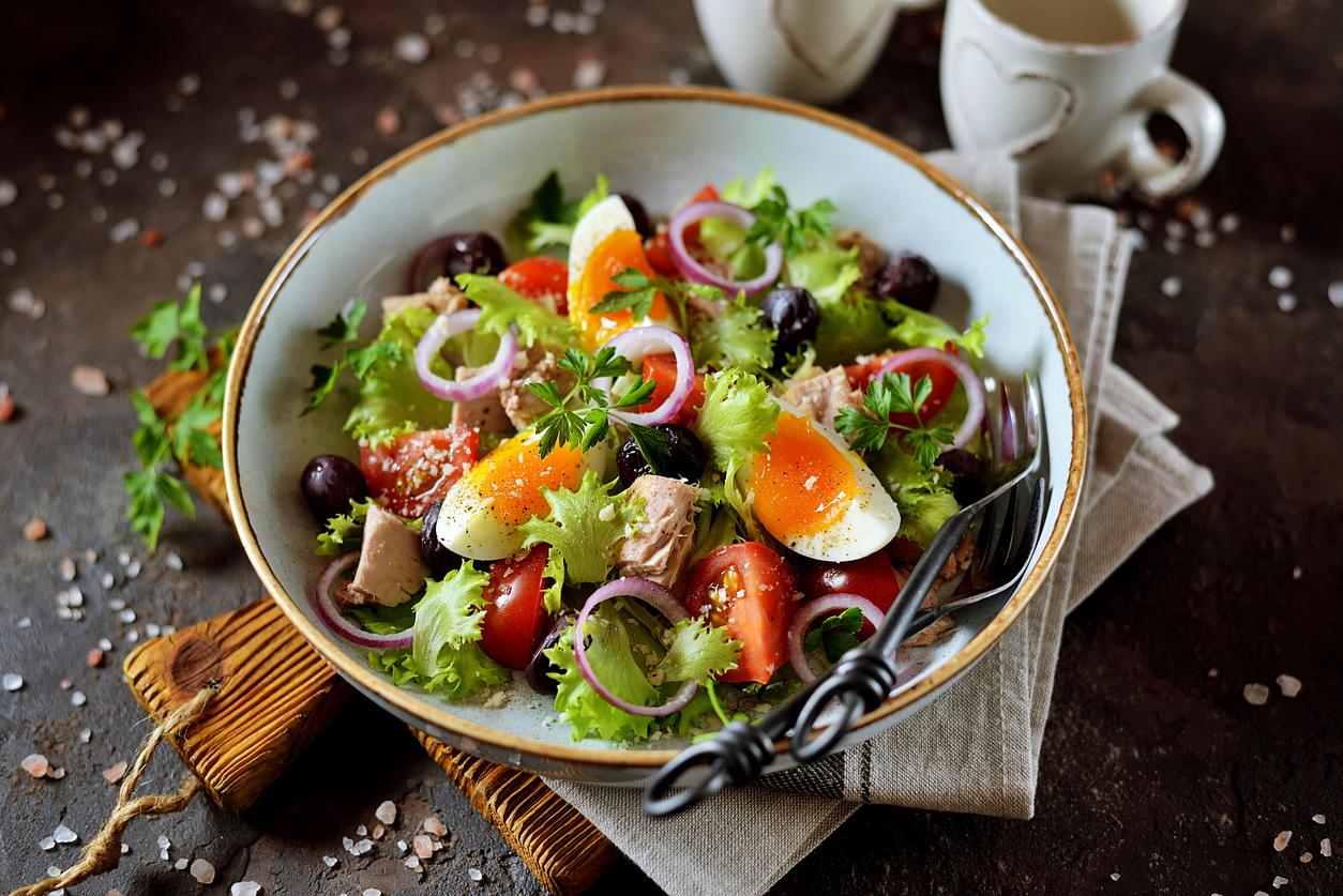 Zdravý mediteránsky vajíčkový šalát