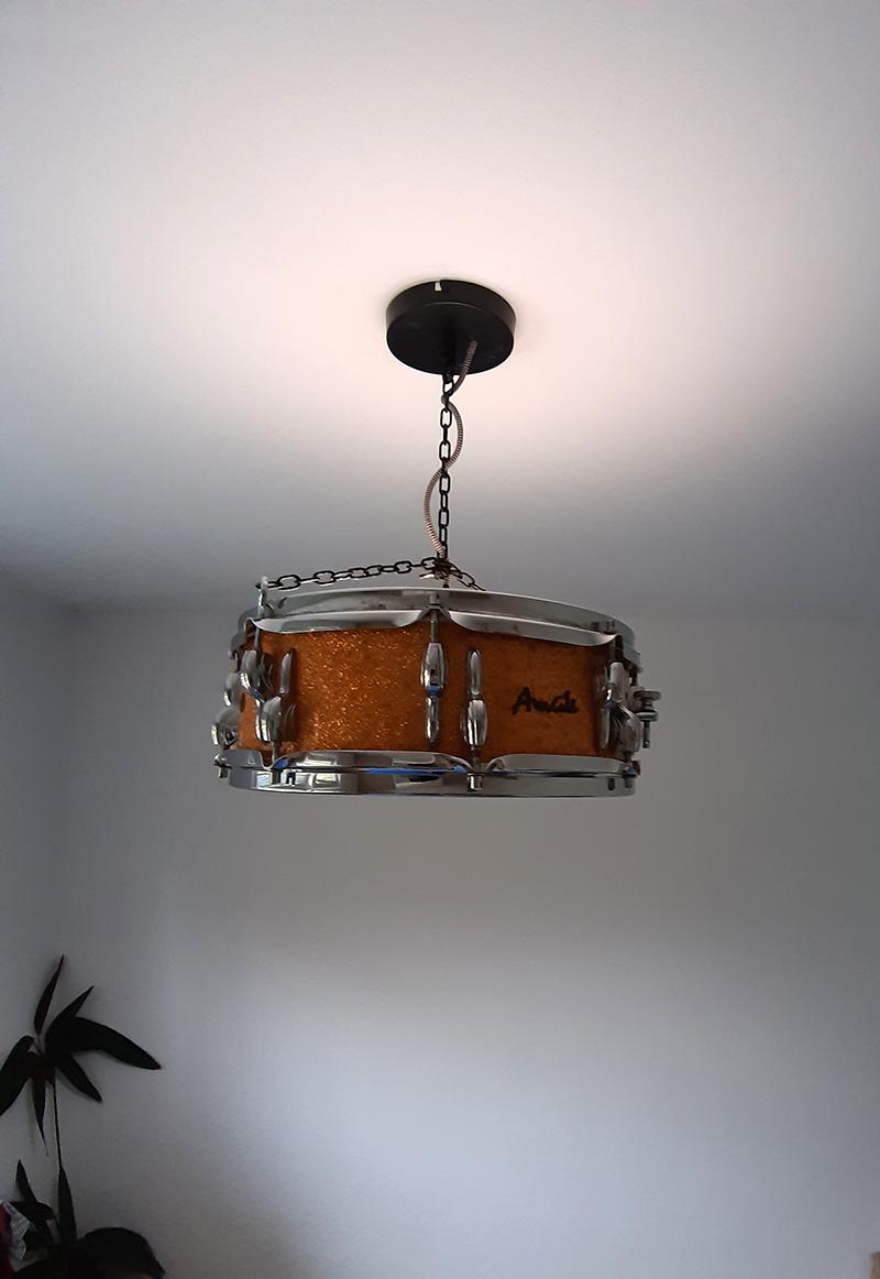 originálne svietidlo vyrobené svojpomocne