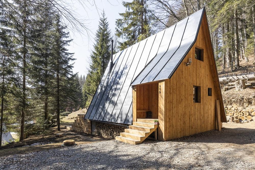 Štíhla horská chata na Donovaloch