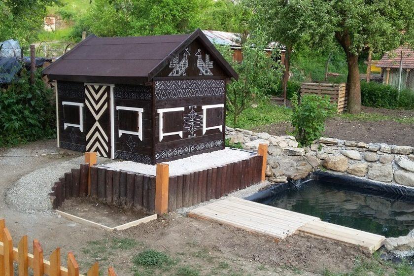 domček pre husy a kačky s jazierkom