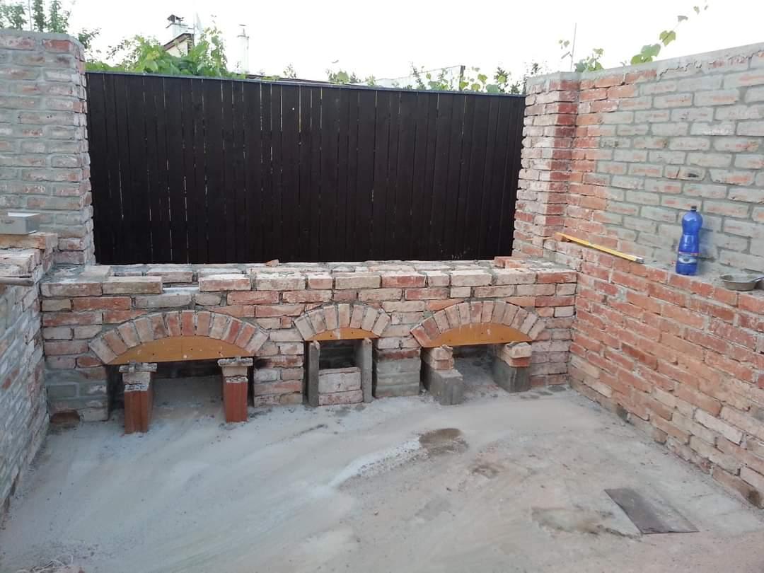 stavba záhradného altánku