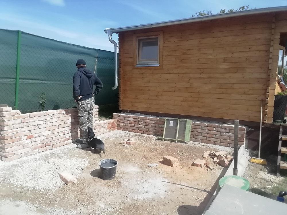 výstavba záhradného prístrešku