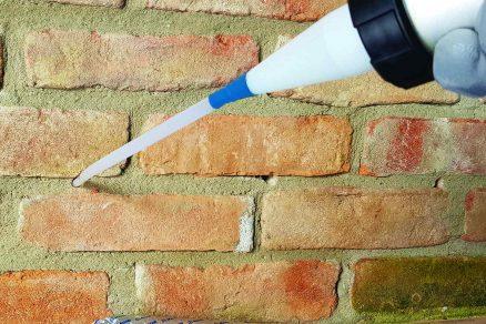 Jednoduchá aplikácia sanačného krému do steny