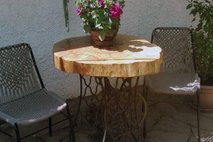 záhradné posedenie z dubovým stolom a stoličkami